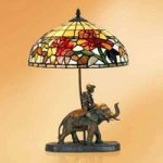 Dekorative bordlampe Samira i Tiffany stil