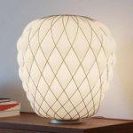 Designer bordlampe Pinecone i mælkeglas