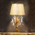 Ophøjet Mayleen bordlampe med krystaller