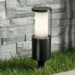 Lampe med jordspyd Carlo med LED i sort