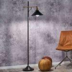 Standerlampen Viktor – kan varieres i højden