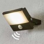 Auron – funktionel udendørs LED-spot med sensor