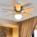 Loftventilator Flavio med seks vinger og lys