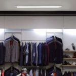 Sølvfarvet praktisk Essra loftlampe 36 W
