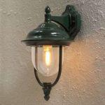 """Enkel udendørs væglampe """"Parma"""" – hængende, i grøn"""