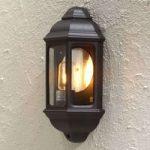 Klassisk udendørs væglampe Cagliari I, i sort