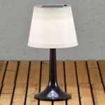 Soldreven LED bordlampe Assisi Sitra, i sort
