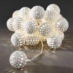 LED lyskæde m. 24 hvide metalbolde, varmhvidt lys