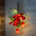 LED-lyskæde med farverige blomster