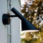 Louis Poulsen AJ – udendørs LED-væglampe, sort