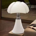Højdeindstillelig bordlampe Pipistrello, i hvid