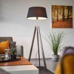 Thea – standerlampe i træ med sort chintzskærm