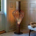 Designer gulvlampe Diva, valnøddetræ og lysdæmper