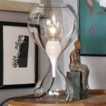 next Blubb – glasbordlampe, klar/sort ledning