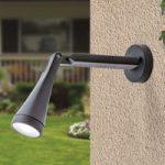 LED-udendørsvæglampen Davin, som kan trækkes ud