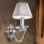 Væglampe Avala med krystal elementer