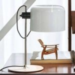 Coupé – tidløs designer bordlampe, hvid