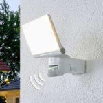 XLED Home 2 XL – LED-væglampe med sensor