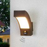 Udendørs LED væglampe Lennik med bevægelsessensor