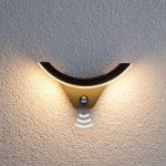 Half: LED-udendørsvæglampe med bevægelsessensor