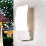 Hvid LED-udendørsvæglampe Siara i kurvet form