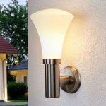 Tiltalende væglampe Juliane til udendørs