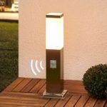 Sokkellampen Lorian i rustfrit stål med sensor