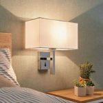 Hvid væglampe Pelto med kontakt