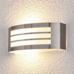 Smart udendørsvæglampe Raja i stribelook